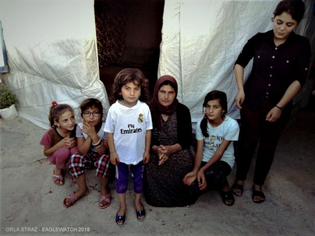 Kobieta z pięcioma córkami