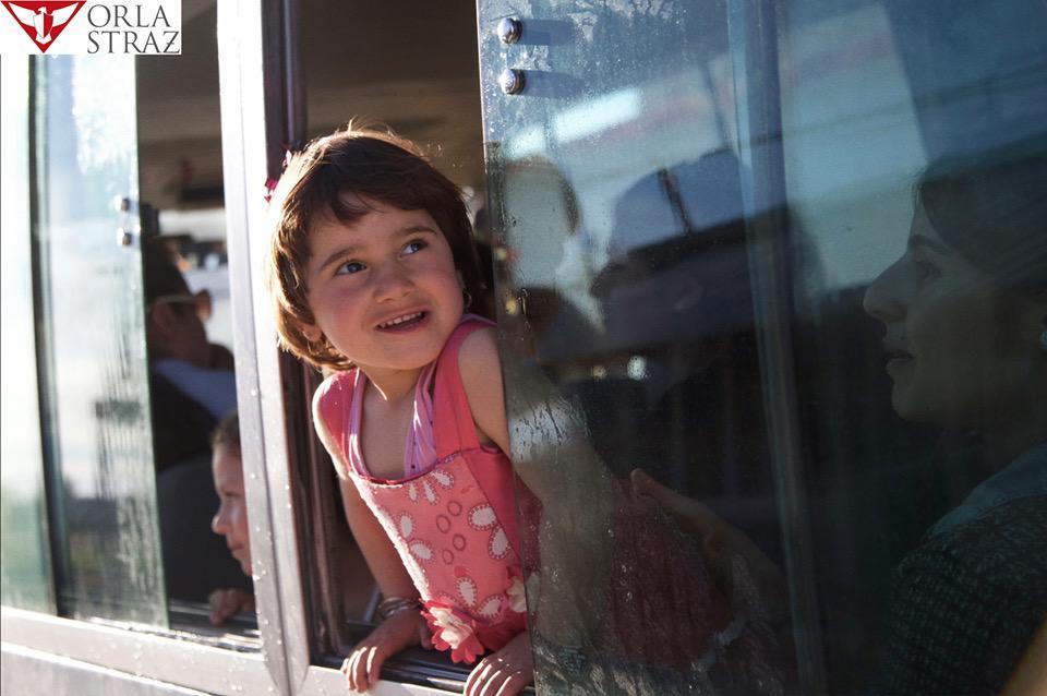 Orla Straż współfinansowała zakup autobusu szkolnego dla dzieci wKhanke